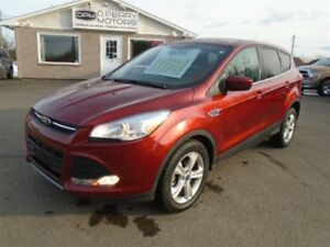 2014 Ford Escape SE FWD ONLY 28, 000 kms