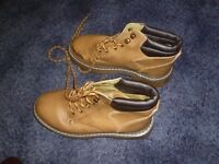 ladies size 5 walking boots