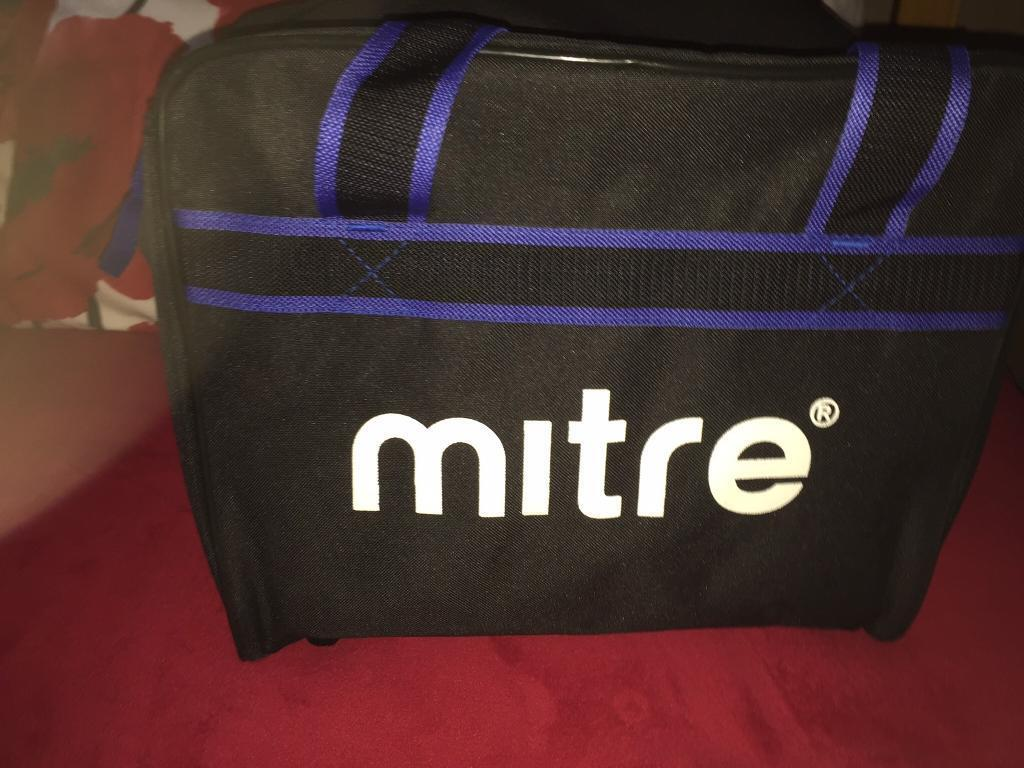 Mitre football training bagin Portlethen, AberdeenGumtree - Mitre bag in great condition When u bought it came with water. Bottles used fir basketball The inner holder fir the bottles can be removed and used as a bag In ex condition Great for football the gym etc The bag size is 40 x 25 x 28cm allowing space...