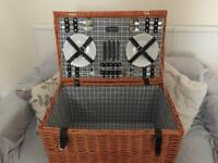 Todhunter picnic basket-brand new