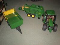 Tractor / Trailer / Bailer 1/16 Bruder John Deere