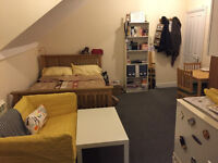 Studio Flat Available For Rent 5 Mins from Tube