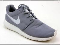 Rosche Nike trainers size 6