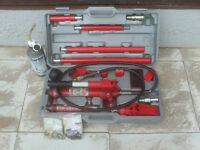 4 Ton Hydraulic Body Repair kit [needs servicing] Repair kits Included.