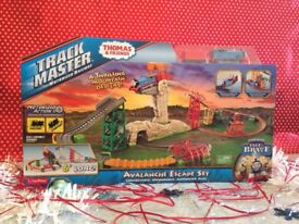Thomas and friends avalanche escape set
