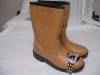 rigger boots SIZE 7