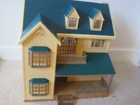 Sylvanian Families House on the Hill (excellent condition)