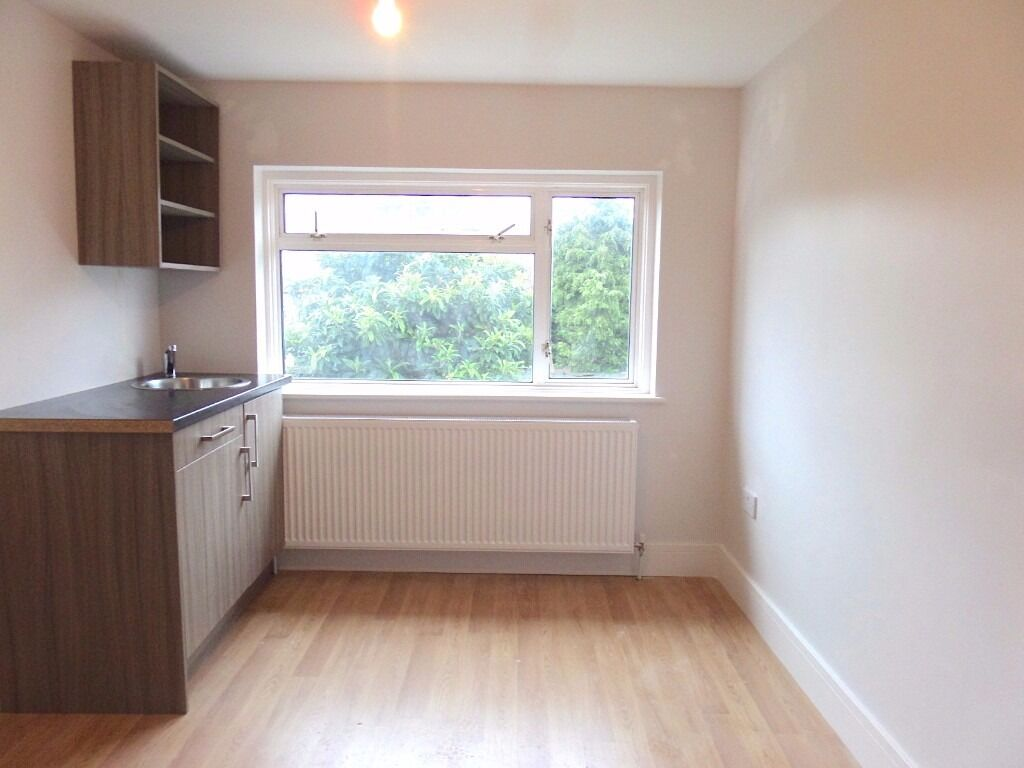 Newly Built Large Studio Available, All Bills Inclusive In Rental - Hayes UB3
