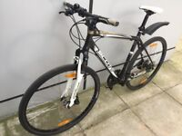 Mountain bike paid £500 4 years ago, disc brake, Acera Shimano, 24 speed, don't need srvice