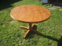 Round dining table - FREE !!!