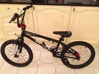 MOONGOOSE R50 BMX BIKE