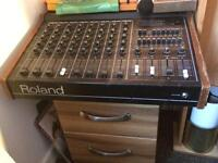 Roland PA-250 mixer with spring reverb