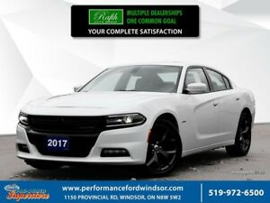 2017 Dodge Charger R/T ***NAV, leather, sunroof***