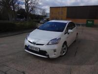 Toyota Prius T Spirit VVT-I 5dr (white) 2014