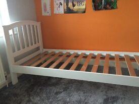 Lovely white Single bed