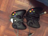 Xbox 360s black+ kinect + 2 gamepads + 10 games
