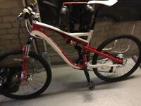 Specialized full suspension bike with hydraulic brakes 27 gears And 3 tyre options included.