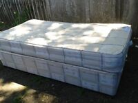 Single Bed with divan base - DELIVERY AVAILABLE