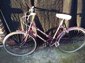 Road bike for girls or kids Halfords Pathfinder fixi single speed