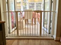 Lindam children safety gate