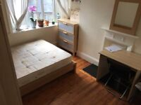 CLOSE TO BOROUGH LONDON BRIDGE TOWER BRIDGE TWO BATHROOMS CLEANER TERRACE large DOUBLE ROOM