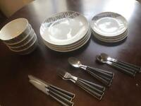 Set of plates and cutlery's