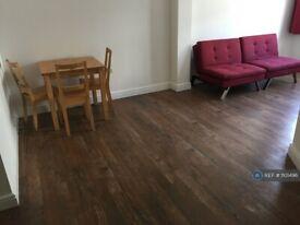 1 bedroom flat in Rock Street, London, N4 (1 bed) (#1101496)