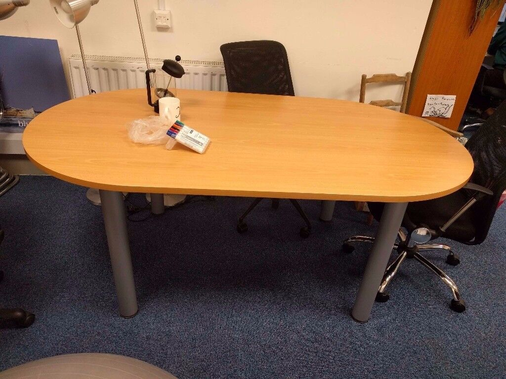 Oval office meeting table - mint condition