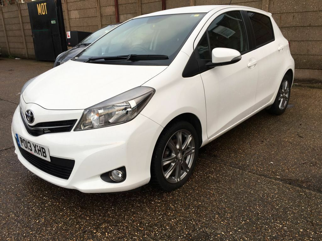 2013 toyota yaris 1 3 sr petrol manual 5 door white 37k with s h in excellent condition in. Black Bedroom Furniture Sets. Home Design Ideas