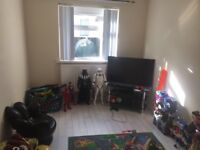 Outstanding three bedroom house .Doubke glazed fitted kitchen and bathroom large garden .
