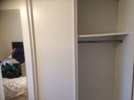 Wardrobe 3 sliding doors white £100