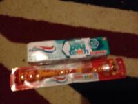 Toothbrush with toothbrush for kids