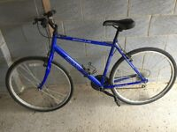 Apollo CX10 Mens hybrid bicycle . A good general all purpose bike .Look at pictures for condition