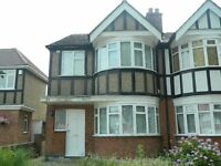 2 Bedroom Ground Floor Maisonette - Rayners Lane - Mid-October