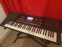 Korg pa300 in perfect condition