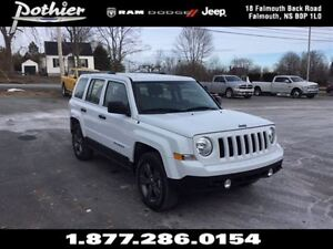 2016 Jeep Patriot Sport 4X4 | CLOTH | HEATED SEATS | TOW HOOKS |