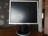 "Samsung SyncMaster 17"" LCD monitor"