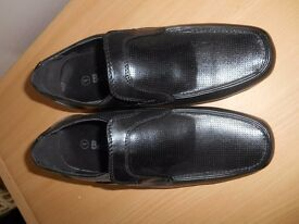 Boys black shoes - Size 1 - Brand New