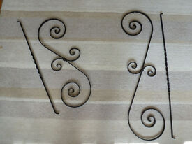 Ornate metal balustrading for staircase or other use