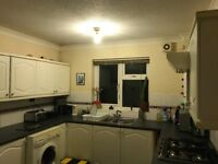Flatshare/Room to Rent. Poole
