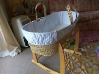 Clair De Lune Moses basket with rocking stand in good condition !!