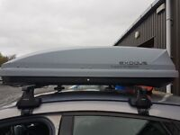 Exodus roof box with roof bars & fittings