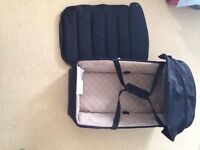 Maclaren XLR carry cot in black and champagne.