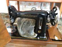 Harris CB vintage Sewing Machine in wooden case