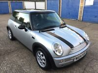 MINI COOPER 1.6 AUTOMATIC /48k MILEAGE / FULL SERVICE HISTORY/ NEXT YEAR MOT/ 2004 HATCH / BARGAIN