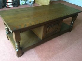 Old Charm Coffee Table in Oak