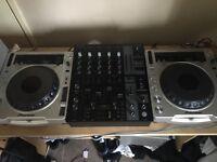 Pair of pioneers cdj800mk2, behringer djx750 with boxes