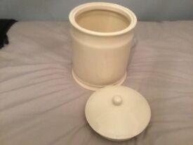 Ceramic- cream bread bin