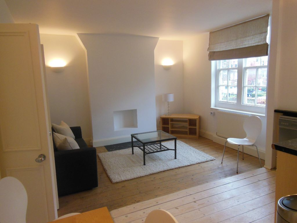 Gorgeous 2 bedroom flat in Streatham Hill ~~CHEAP~~