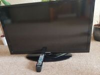 "32"" LED Samsung TV and Remote"